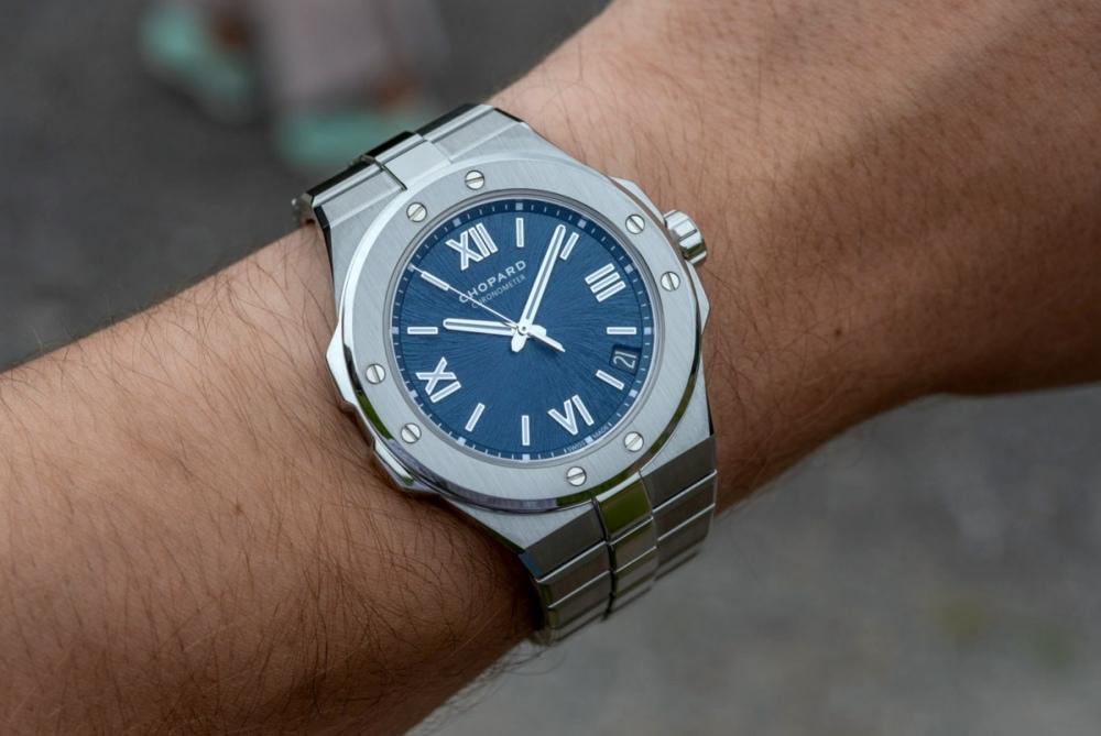 Chopard-Alpine-Eagle-Gold-Steel-Luxury-Sports-Watch-aBlogtoWatch-132.jpg