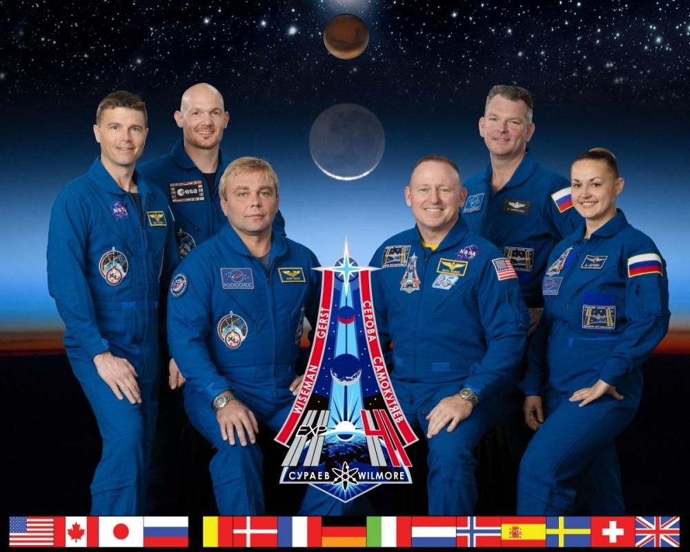 Expedition_41_crew_portrait.jpg.fcdcdddab3c60ec7cbae4132d54385d2.jpg