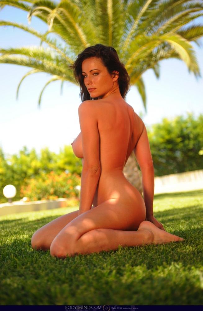 Babe-Kyla-Cole-with-Big-Naturals-in-Garden-1.jpg
