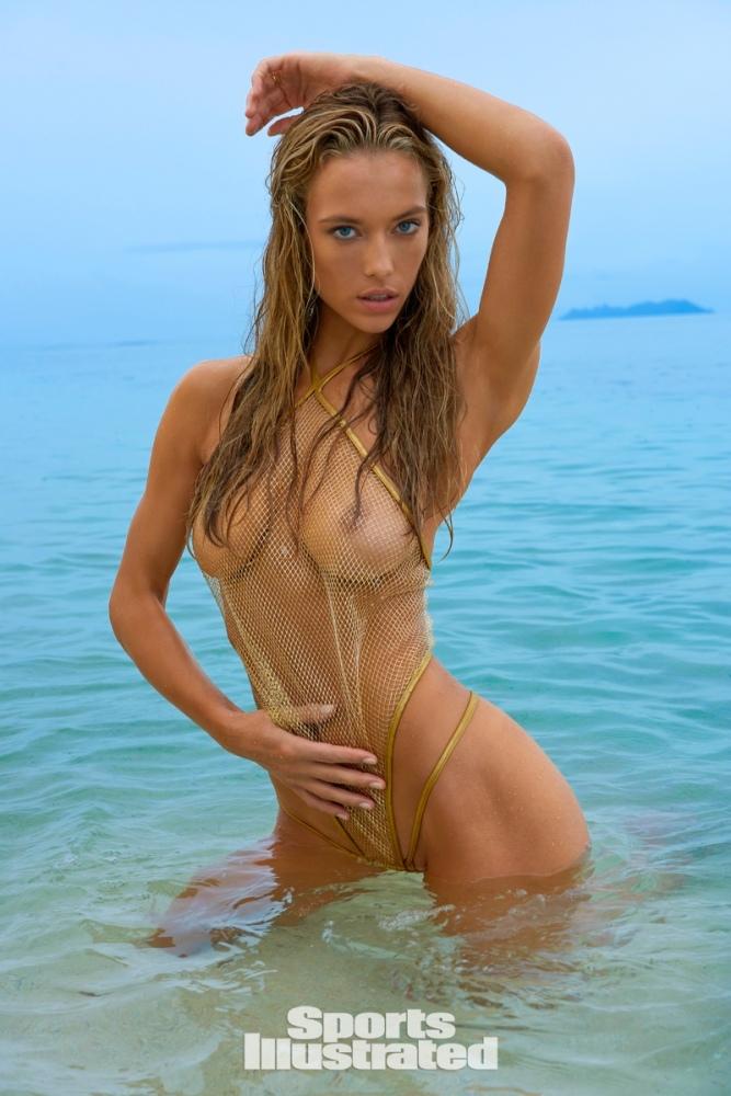 hannah-ferguson-topless.jpg