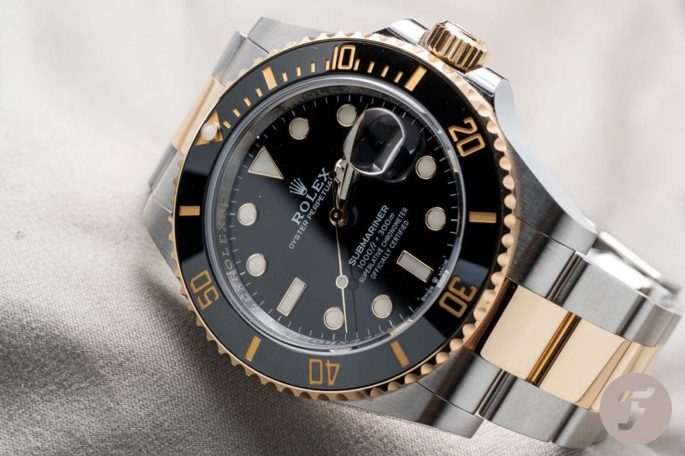 Rolex-Submariner-126613LN.002.jpg