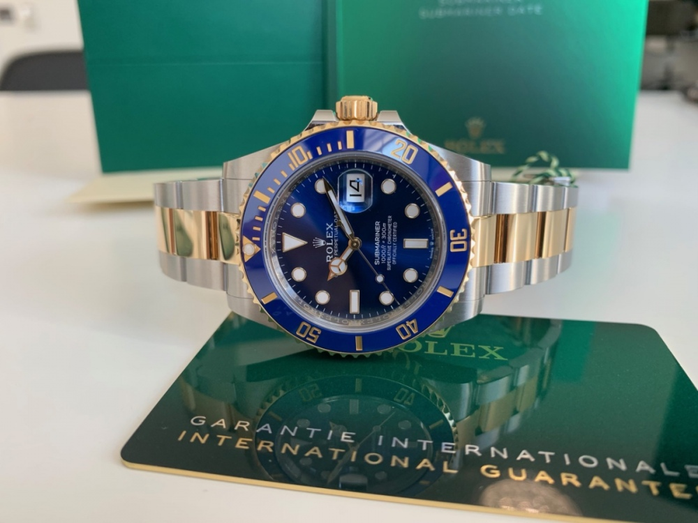 rolex-submariner-date-126613lb-41mm-new-model-2020-scaled.jpeg
