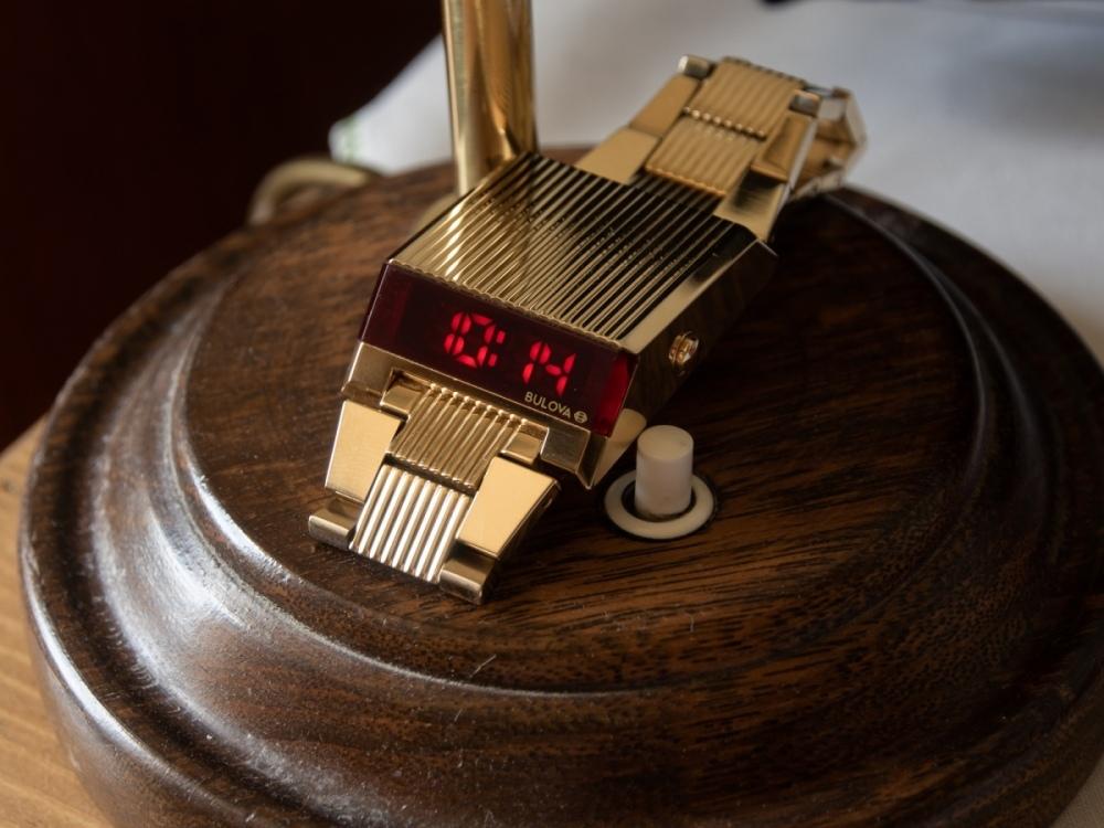 putovni-hodinky-bulova-helveti-13.jpg.1d0147cceccece3d7f262d0196dd8f29.jpg