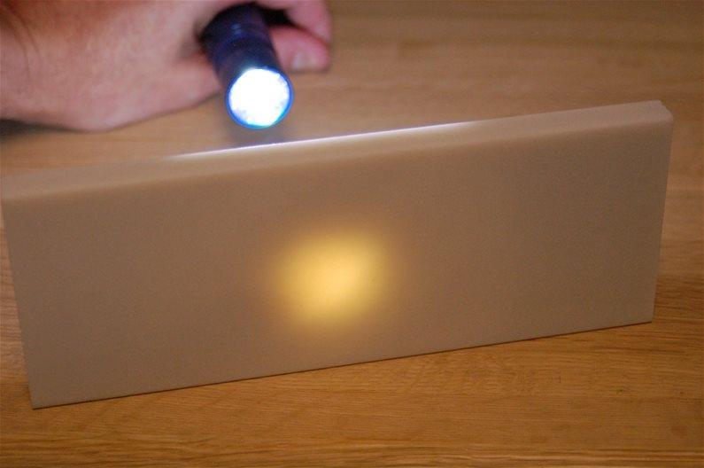 hard-translucent-stone-flashlight-2.jpg.cd7e38369b5213651629883852c5da61.jpg