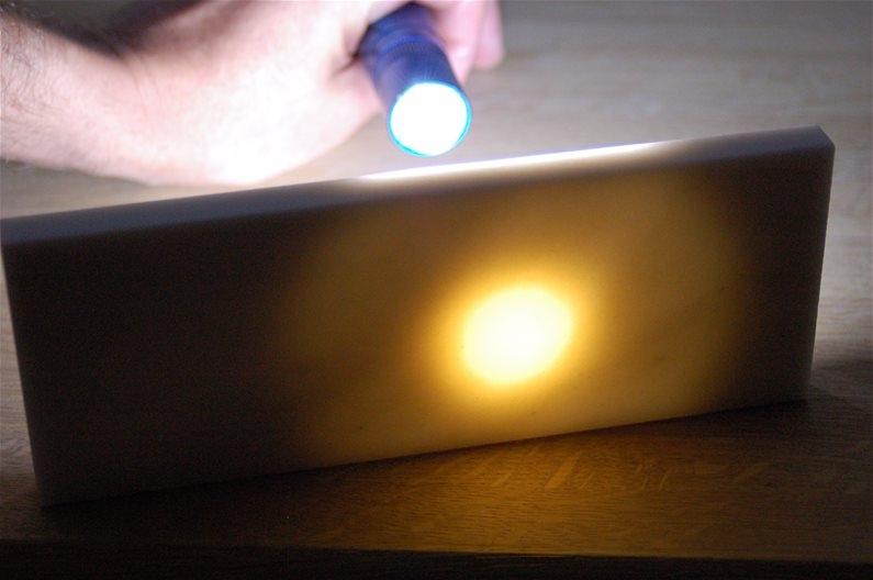 hard-translucent-stone-flashlight.jpg.609645c9285ee45c53a6320005e22bec.jpg