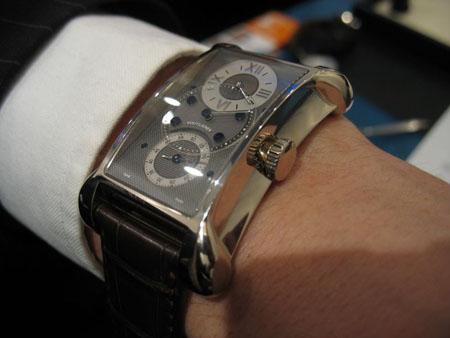 Chronometer 27 na ruce